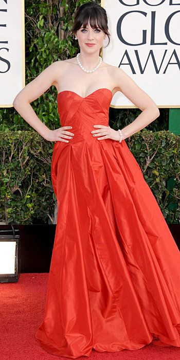 Зоуи Deschanel in an Oscar de la Renta gown