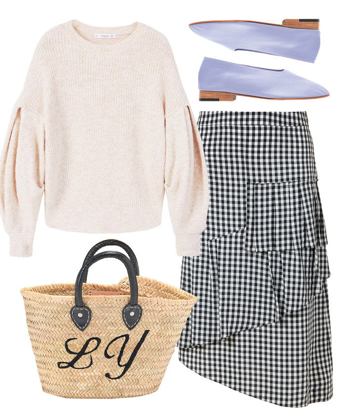Πηγαίνω lady-like in a gingham skirt with ruffle detail.