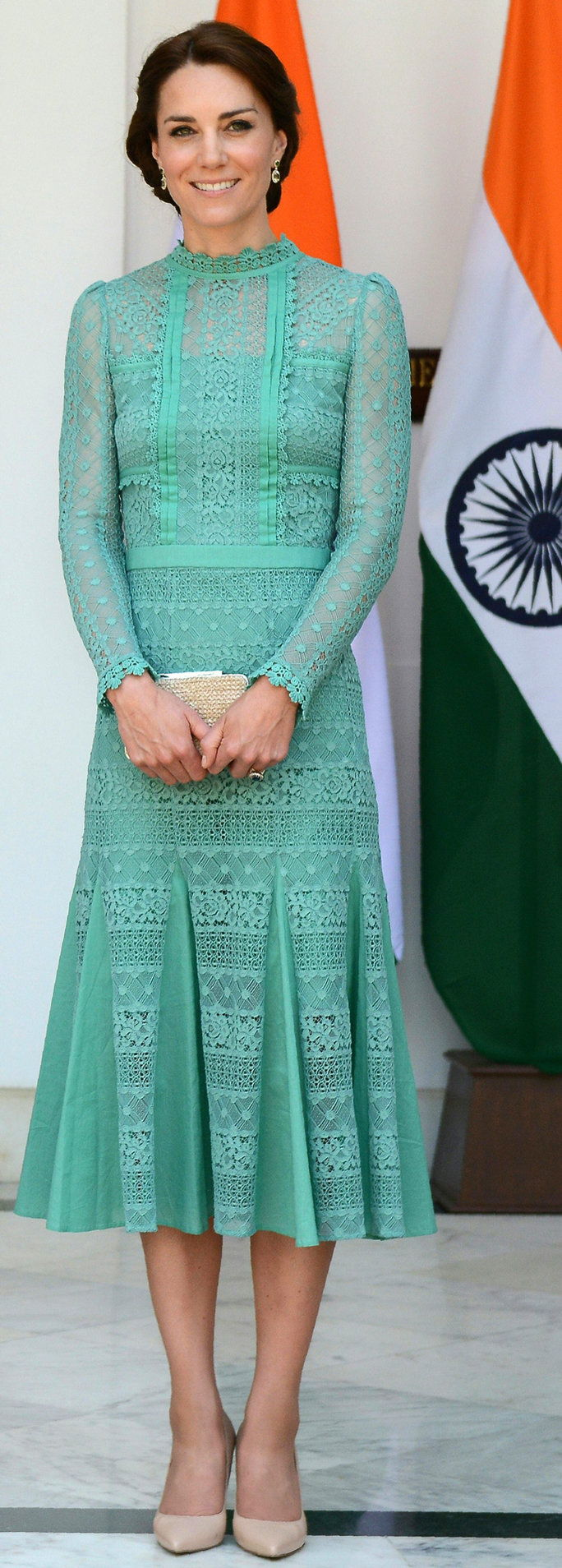 Великобритания's Catherine, Duchess of Cambridge looks on ahead of a lunch event with India's Prime Minister Narendra Modi at Hyderabad House in New Delhi on April 12, 2016.