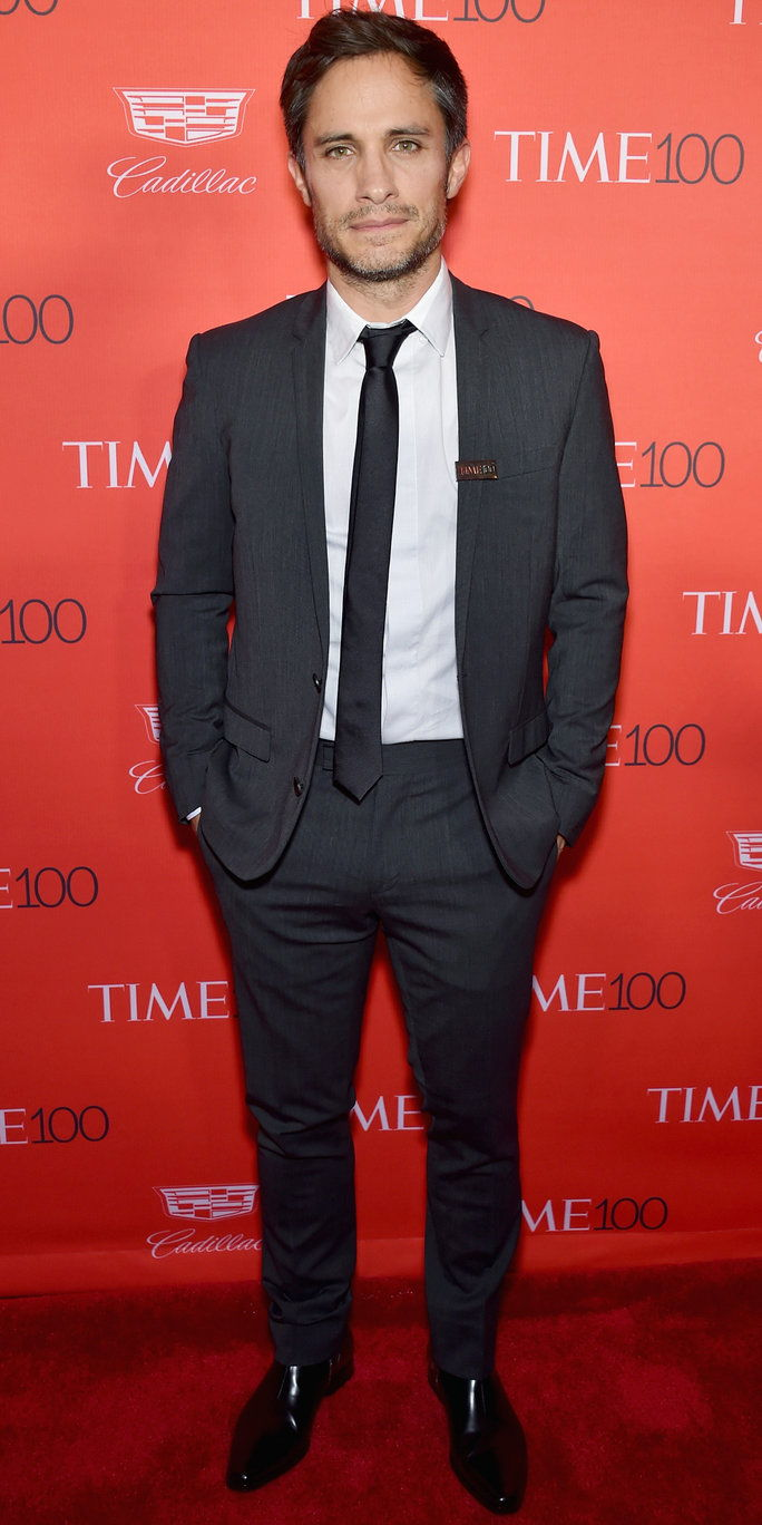 актьор Gael Garcia Bernal attends 2016 Time 100 Gala, Time's Most Influential People In The World red carpet at Jazz At Lincoln Center at the Times Warner Center on April 26, 2016 in New York City.