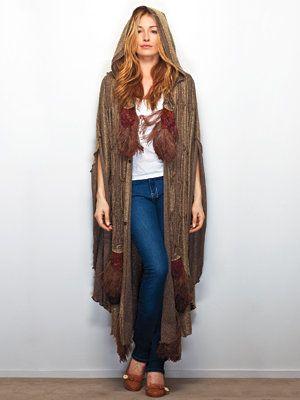 Μέσα Cat Deeley's Closet - Cat in a vintage cape
