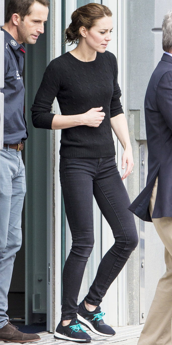 Кейт Middleton was seen heading back to London after an afternoon spent sailing in Portsmouth, England on May 20, 2016