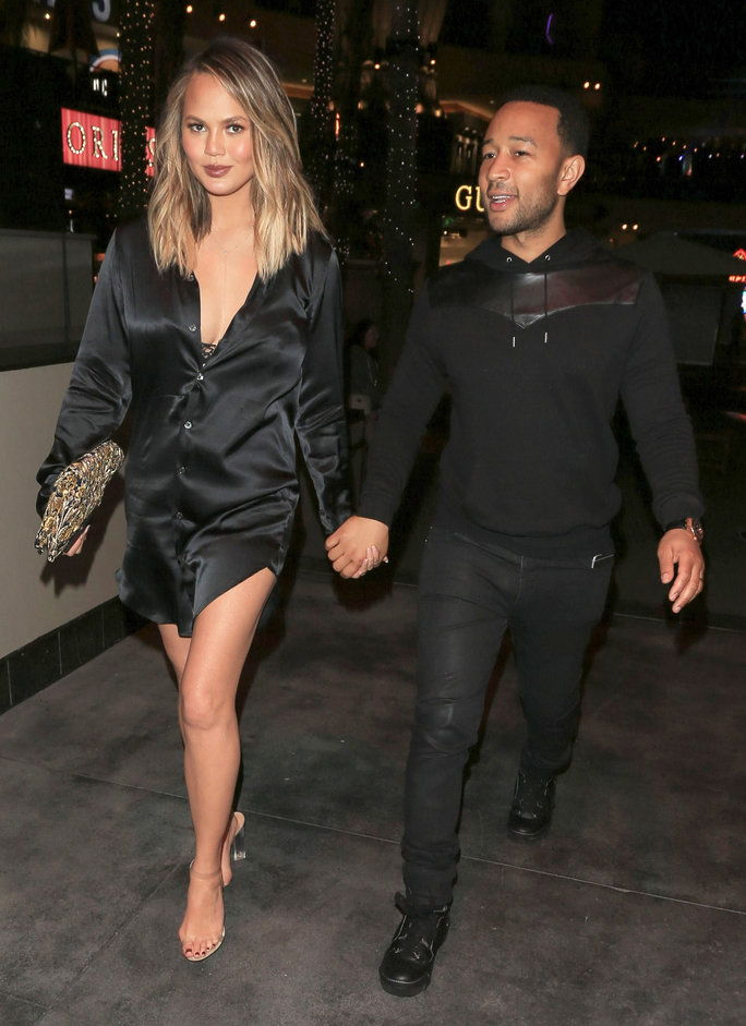 LOS ANGELES, CA - JUNE 27: Chrissy Teigen and John Legend are seen on June 27, 2016 in Los Angeles, California. (Photo by BG007/Bauer-Griffin/GC Images)
