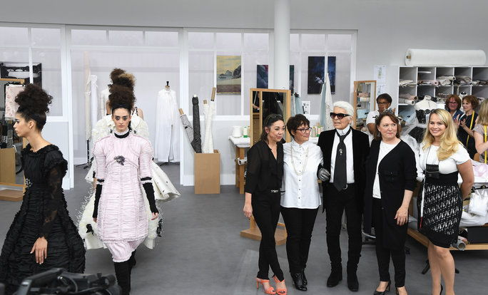 Karl Lagerfeld Pays Tribute to the House's Seamstresses