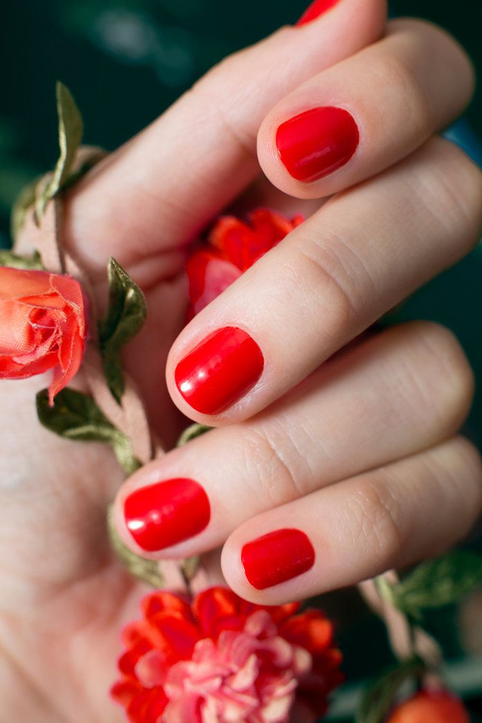 любим Red Nail Polishes