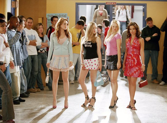 ΣΗΜΑΙΝΩ GIRLS, Lindsay Lohan, Amanda Seyfried, Rachel McAdams, Lacey Chabert, 2004, (c) Paramount/courtesy Everett Collection
