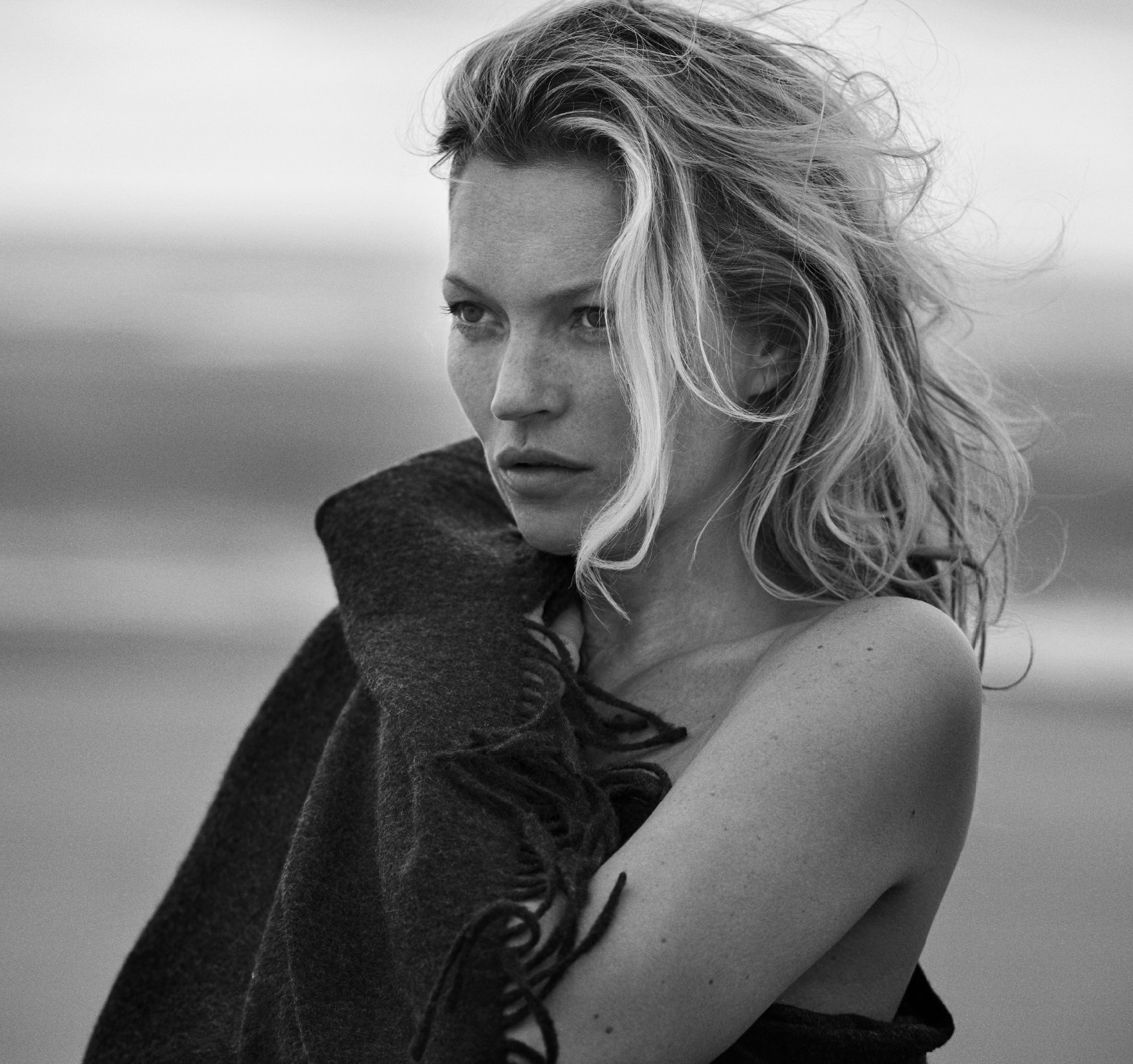Кейт Moss in Naked Cashmere Campaign - Lead