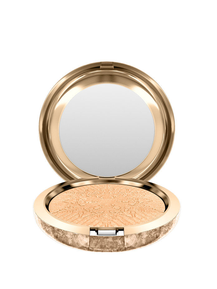 MAC Snowball Face Powder In Pale Gold