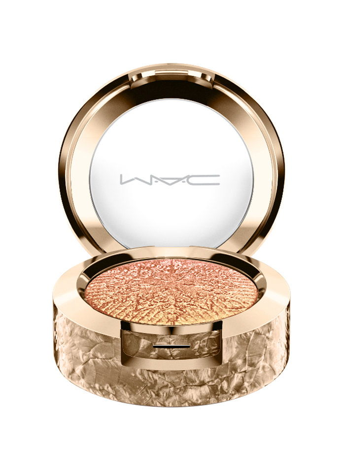 MAC Snowball Eyeshadow In Stylishly Merry