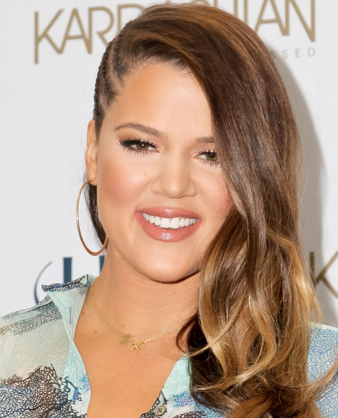 Χλόη Kardashian Odom Celebrates New Kardashian Sun-Kissed Line With Fans At ULTA Beauty