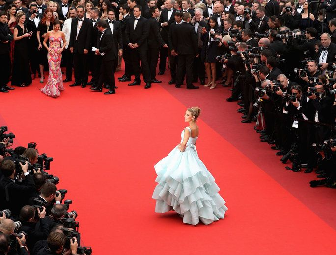 бременна Blake Lively Channels Cinderella
