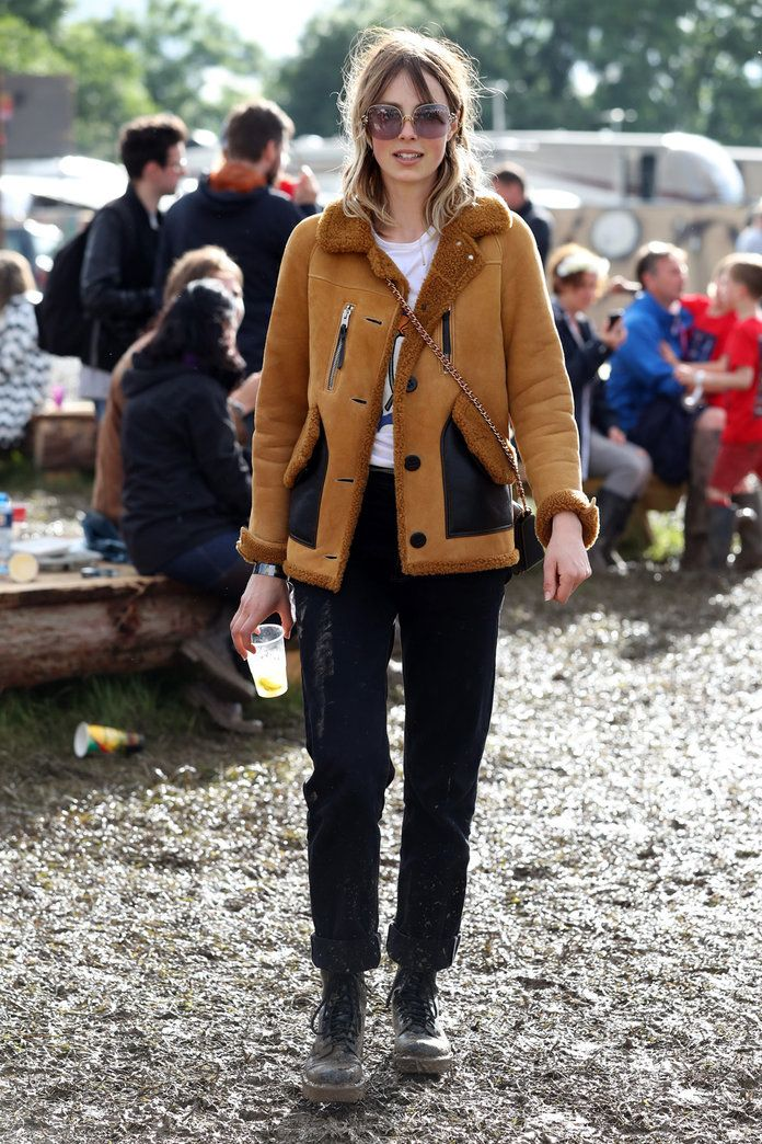Еди Campbell Wearing Coach At Glastonbury 2016