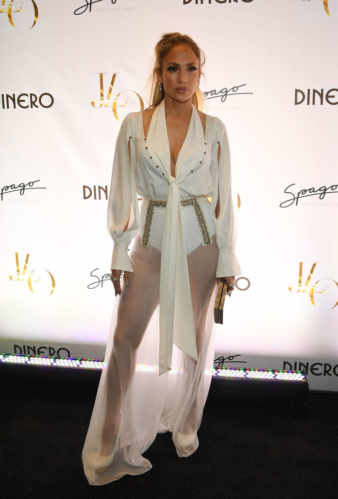 Τζένιφερ Lopez Celebrates Release Of New Single 'Dinero' With Wolfgang Puck During Sneak Peak Of The New Spago At Bellagio