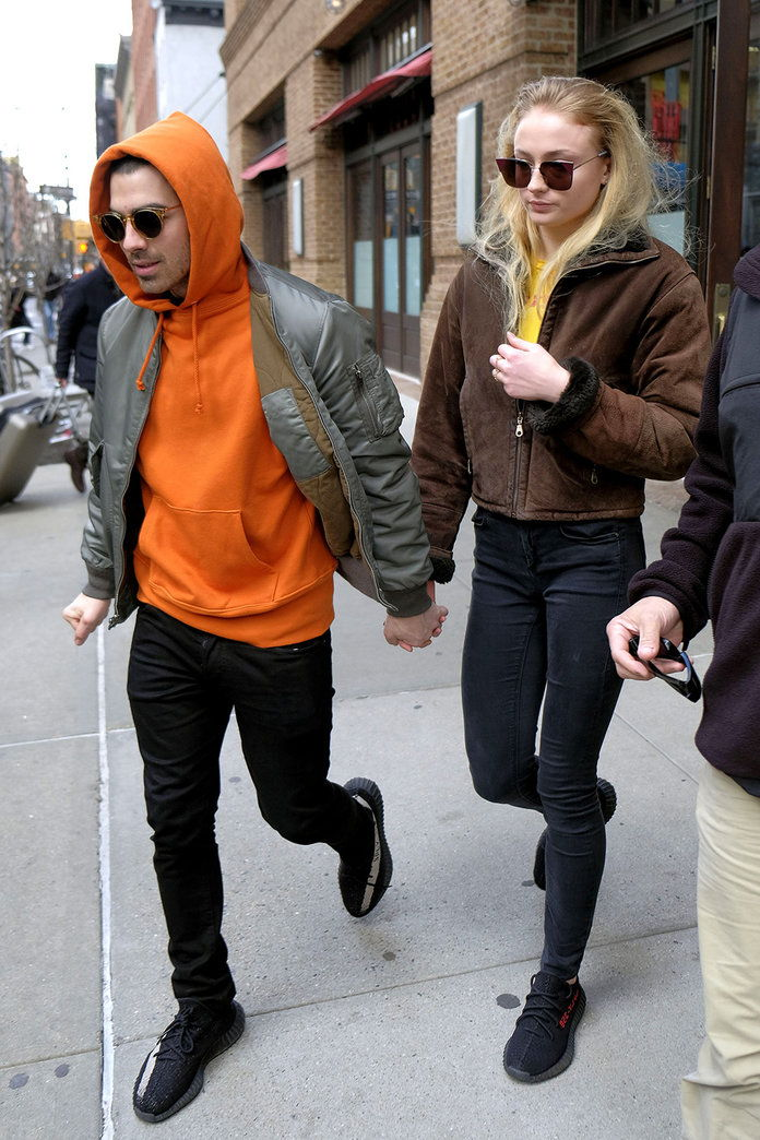 Задължителен Credit: Photo by Curtis Means/ACE Pictures/REX/Shutterstock (8467873g)Joe Jonas, Sophie TurnerJoe Jonas and Sophie Turner out and about, New York, USA - 03 Mar 2017